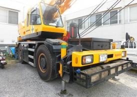 Cho thuê cẩu lốp KATO 25 tấn chuyên nghiệp